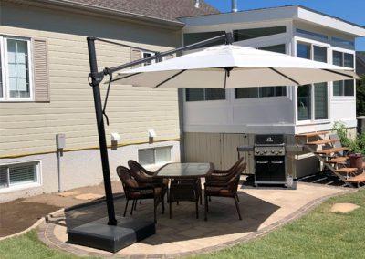 Nouveau patio cour arrière réalisé par Aménagement Paysagement Goyer Rive Sud